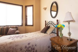 Our deluxe suites at Via Elegante assisted living Tucson features large private bathrooms and high speed internet.