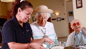 Senior Living Services, Senior Care Services assisted living services and memory care services in Tucson and Sierra Vista Arizona at Via Elegante.